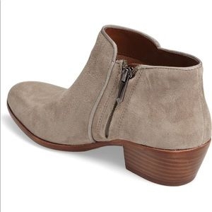 Sam Edelman Shoes - Sam Edelman Chelsea Petty Ankle Bootie 9